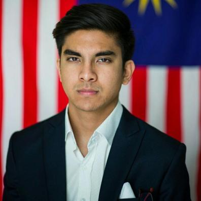 gracious-interaction-between-syed-saddiq-and-kj-are-the-politics-that-msia-needs-world-of-buzz-4