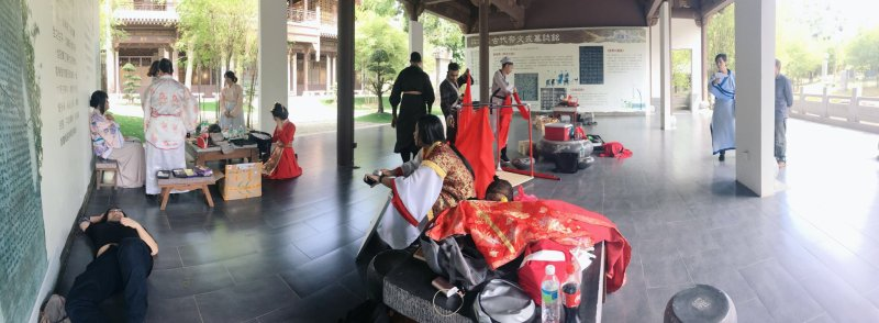 image9 From power naps to prop assembly Behind the scenes on filming day